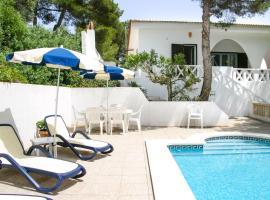 호텔 사진: Cala Llonga Villa Sleeps 9 Pool Air Con WiFi
