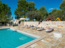 Хотел снимка: Noci Villa Sleeps 6 Pool WiFi