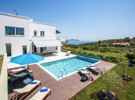 Hotel photo: Orasac Villa Sleeps 8 Pool WiFi