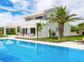 Hotel Foto: Divulje Villa Sleeps 8 Pool Air Con WiFi