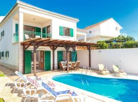 Hotel photo: Hvar Villa Sleeps 8 Pool Air Con WiFi