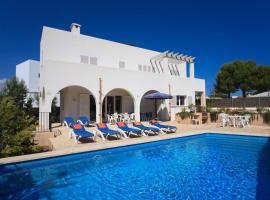 Hotel photo: Cala d'Or Villa Sleeps 6 Pool WiFi