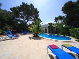 Hotel photo: Cala d'Or Villa Sleeps 8 Pool WiFi
