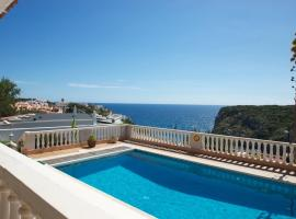ホテル写真: Cala en Porter Villa Sleeps 6 Pool WiFi