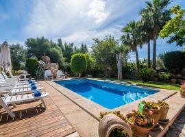 Hotel photo: Inca Villa Sleeps 8 Pool Air Con WiFi