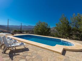 Hotel photo: Berdica Villa Sleeps 12 Pool WiFi