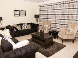 Hotel photo: Cosy Nest Suites
