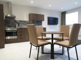 Hotel Photo: Quay Apartments Clarence House
