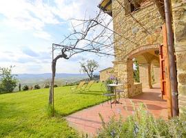 Hotel photo: Puliciano Villa Sleeps 2 Pool WiFi