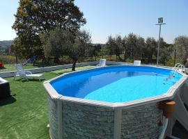 Hotel photo: Cisternino Villa Sleeps 2 Pool Air Con WiFi