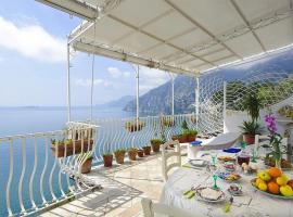 Hotel photo: Arienzo Villa Sleeps 6 Pool Air Con WiFi