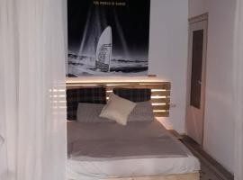 A picture of the hotel: Carrer del Túria, 11 Apartamento
