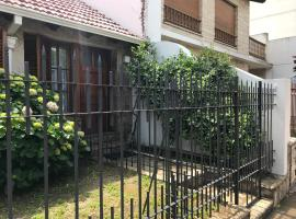 Hotel photo: Casamia Altos (3pax)
