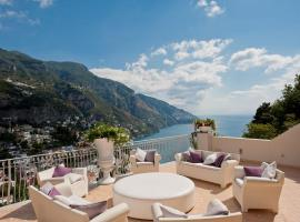 酒店照片: Positano Villa Sleeps 12 Pool Air Con WiFi