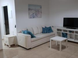 Hotel photo: Spacious 2BR in the heat of Rothschild in Tel Aviv