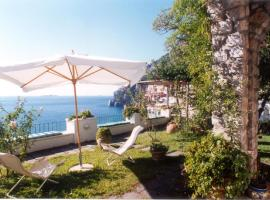 Hotel photo: Positano Villa Sleeps 3 Air Con WiFi