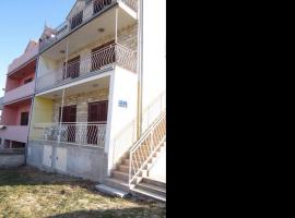 מלון צילום: apartments anić- studio apartment with terrace