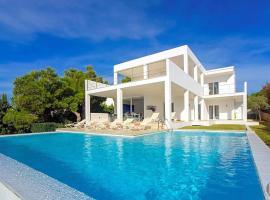 Hotel photo: Cala Egos Villa Sleeps 12 Pool Air Con WiFi