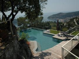 Hotel photo: Villefranche-sur-Mer Villa Sleeps 10 Pool Air Con