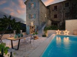 Hotel photo: Buzet Villa Sleeps 6 Pool Air Con WiFi