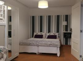 호텔 사진: Apto. Mundaka en vivienda- 1 linea de costa- Parking-Wifi.