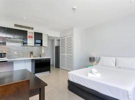 Hotel photo: Sunshine Towers 408 - Studio Apartment