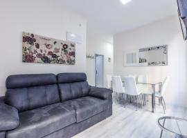 A picture of the hotel: Espacioso apartamento en Arguelles