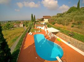 Hotel foto: Capezzano Pianore Villa Sleeps 9 Pool Air Con WiFi