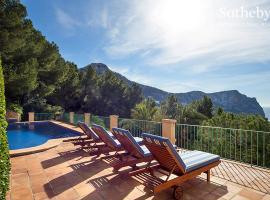 호텔 사진: Stunning house in Cala Llamp