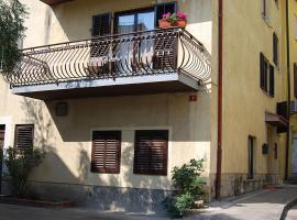 Hotel photo: Koper Apartment Sleeps 6 Air Con WiFi