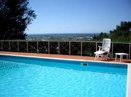 Hotelfotos: Mommio Castello Villa Sleeps 10 Pool Air Con WiFi