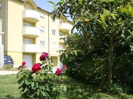 Hotel photo: Premantura Apartment Sleeps 4 Air Con