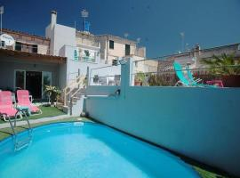 Fotos de Hotel: Campanet Villa Sleeps 6 Pool Air Con WiFi