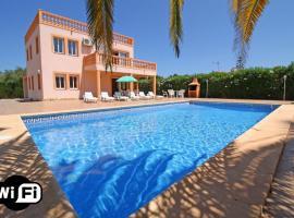 Hotel photo: Casas de Torrat Villa Sleeps 11 Pool Air Con