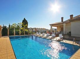 Hotel photo: Calpe Villa Sleeps 16 Pool Air Con WiFi