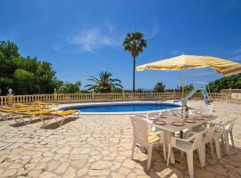 Hotel photo: Fanadix Villa Sleeps 11 Pool WiFi