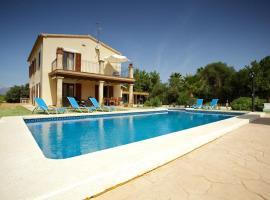 Hotel foto: Inca Villa Sleeps 10 Pool Air Con WiFi