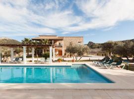 Hotel Foto: es Barcares Villa Sleeps 11 Pool Air Con WiFi
