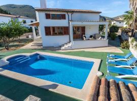 Hotel photo: Port de Pollenca Villa Sleeps 4 Pool Air Con WiFi