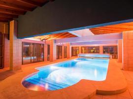 Hotel photo: Xabia Villa Sleeps 13 Pool Air Con