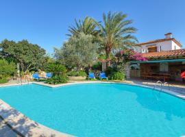 Hotel photo: Port de Pollenca Villa Sleeps 8 Pool Air Con