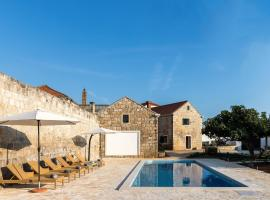 Ξενοδοχείο φωτογραφία: villa luic - three-bedroom villa with terrace and swimming pool