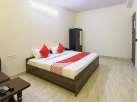 A picture of the hotel: OYO 22394 Club Residency