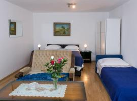 A picture of the hotel: guest house kusalo- one bedroom apartment with terrace (apartman 4)