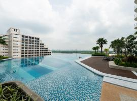 A picture of the hotel: 2 Bedrooms RARE Chao Phraya River Front