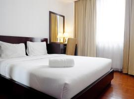 Hotel photo: Strategic Location 2BR Park Royale Apartment By Travelio