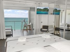 Hotel Photo: Honeymoon apartments - Bleu Marine