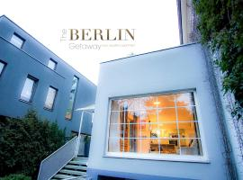 מלון צילום: The Berlin Getaway / 80qm in Berlin's Historic Diplomatic Quarter