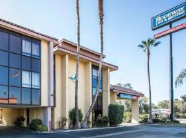 Hotel photo: Rodeway Inn and Suites Bakersfield