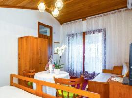 Hotel Photo: Apartment Sumpetar 2807a